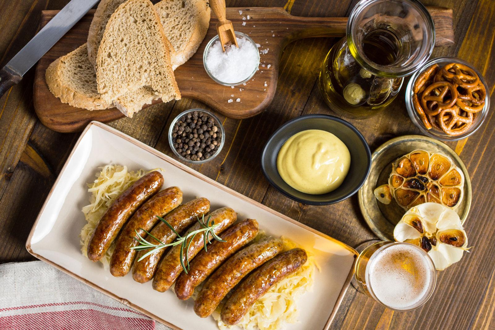 Deftig: Sauerkraut und Würstchen