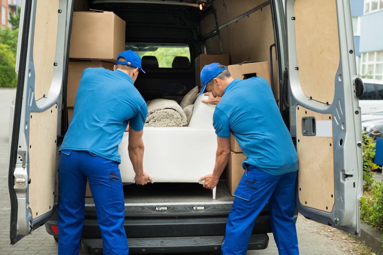 Vom Transporter ins neue Wohnzimmer: Mit einem Stellplan landen Möbel gleich am richtigen Ort und müssen nicht nachträglich verrückt werden.