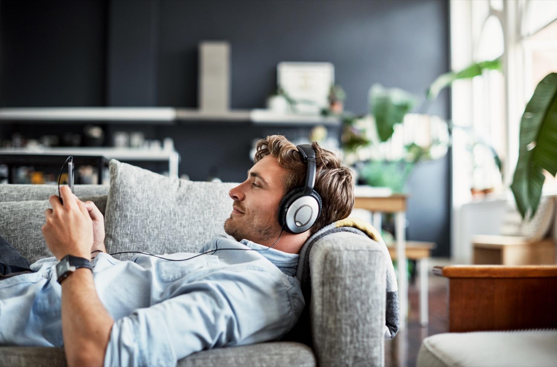Inspiration auf die Ohren: In den USA hört laut Studie von Edison Research jeder Vierte mindestens einen Podcast pro Monat.