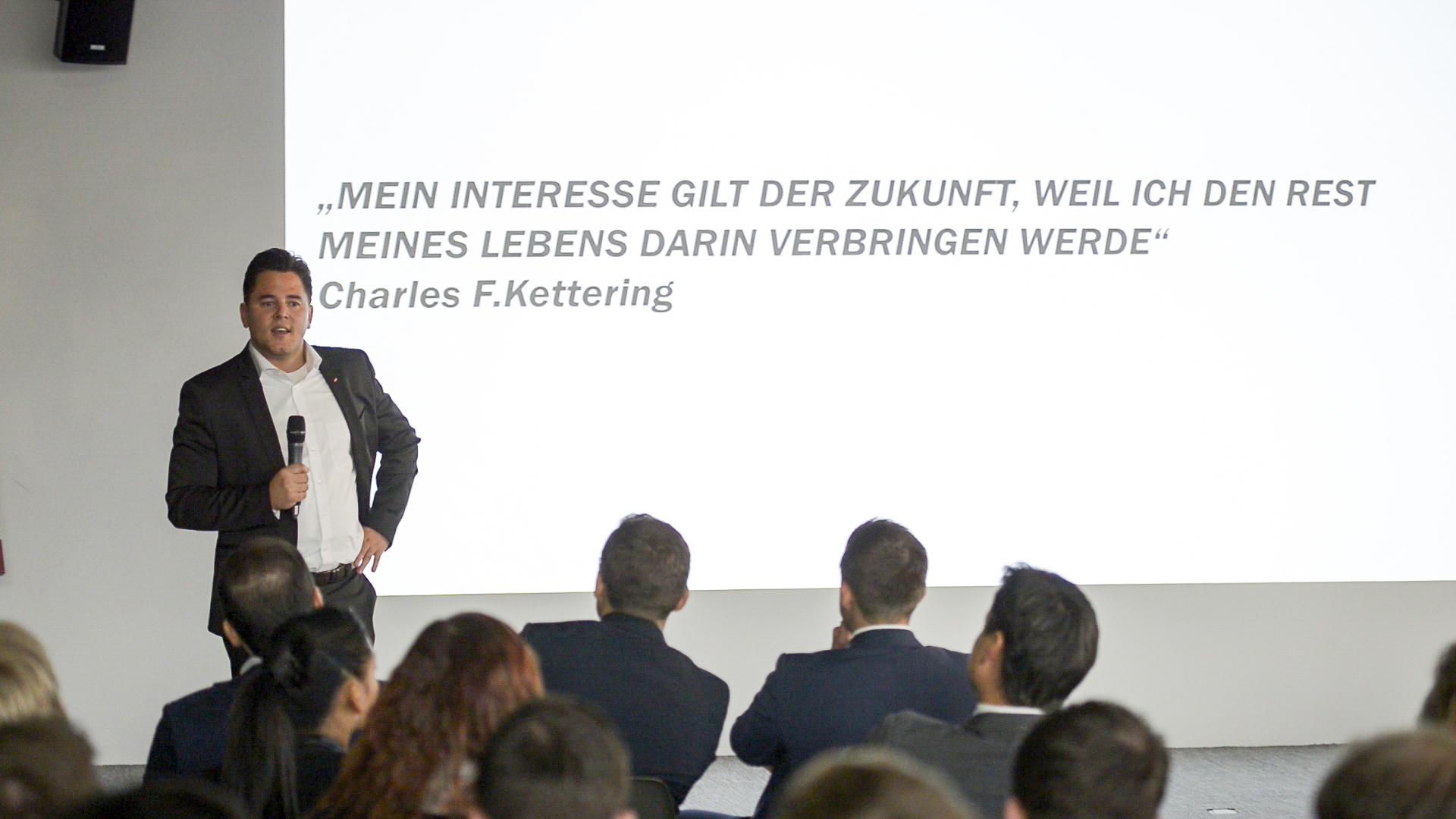 Innerhalb von 17 Jahren vom Lehrling zum Regionaldirektor: Tobias Kohl