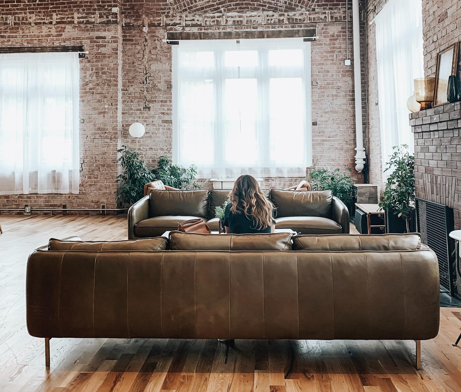 Ein Muss für den Loft-Stil: Unverputzte Wände