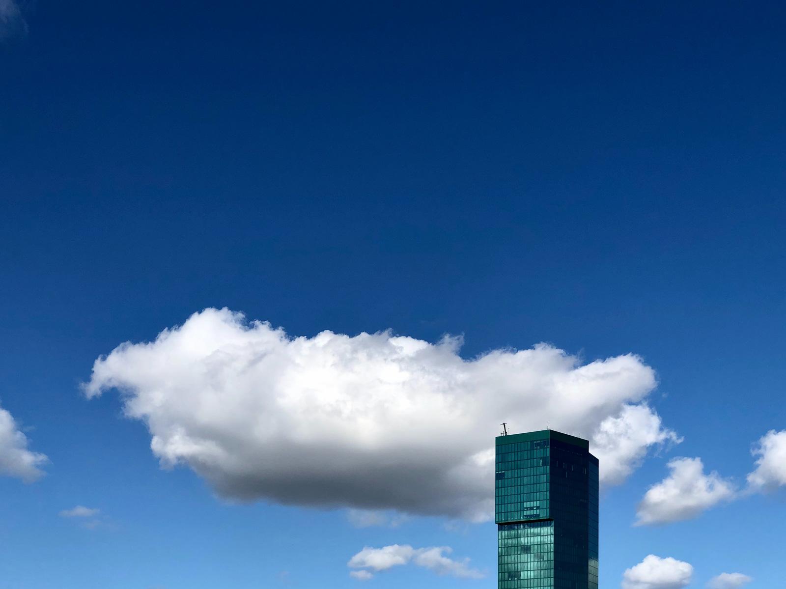 Cloud-Computing: Unternehmen verlagern Daten und Software in die Cloud.