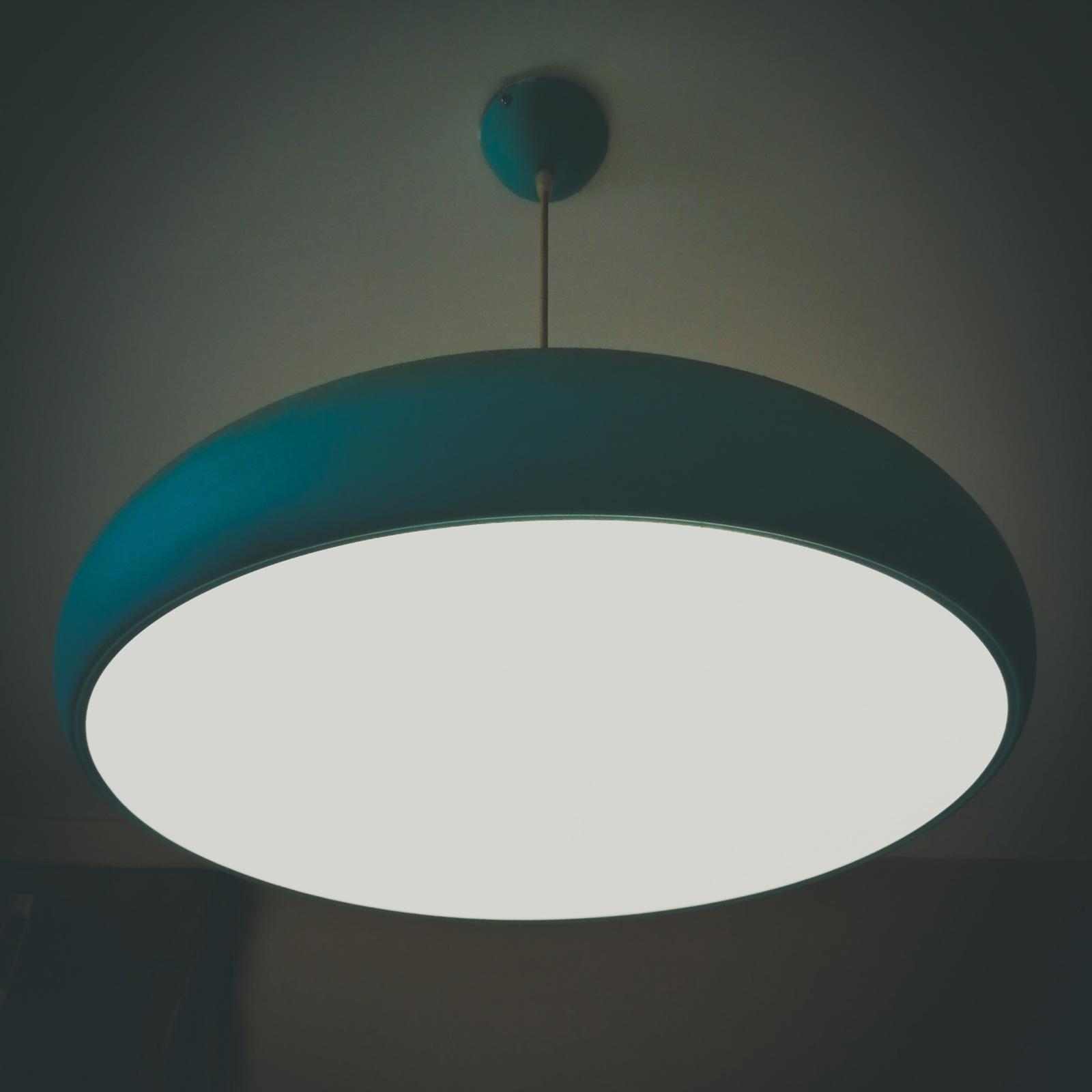 Weiches Licht von oben sorgt als Grundbeleuchtung für Orientierung im Raum.