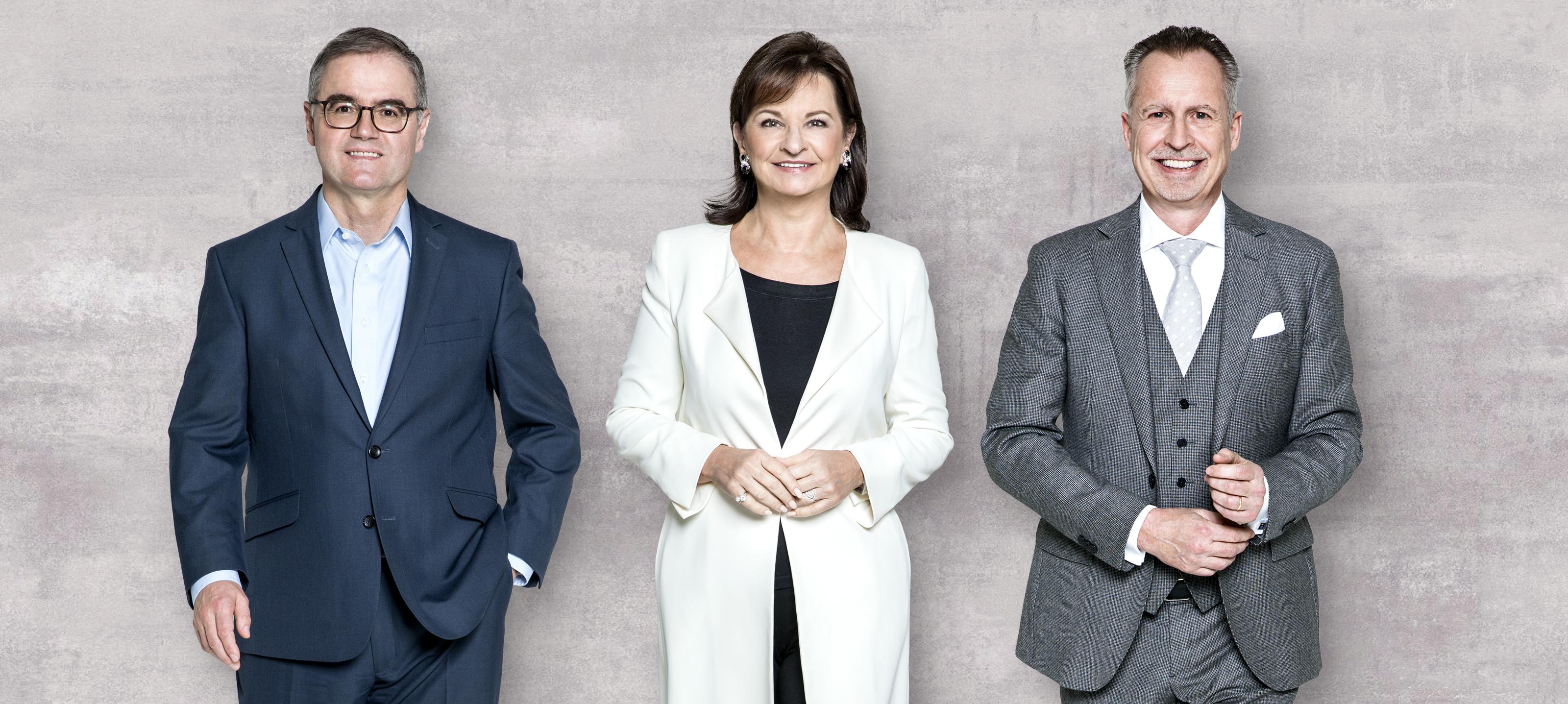 Schauen auf ein erfolgreiches Jahr zurück: Wüstenrot Generaldirektorin Dr. Susanne Riess und die beiden Vorstandsdirektoren Dr. Andreas Grünbichler und Mag. Gerald Hasler (von links)