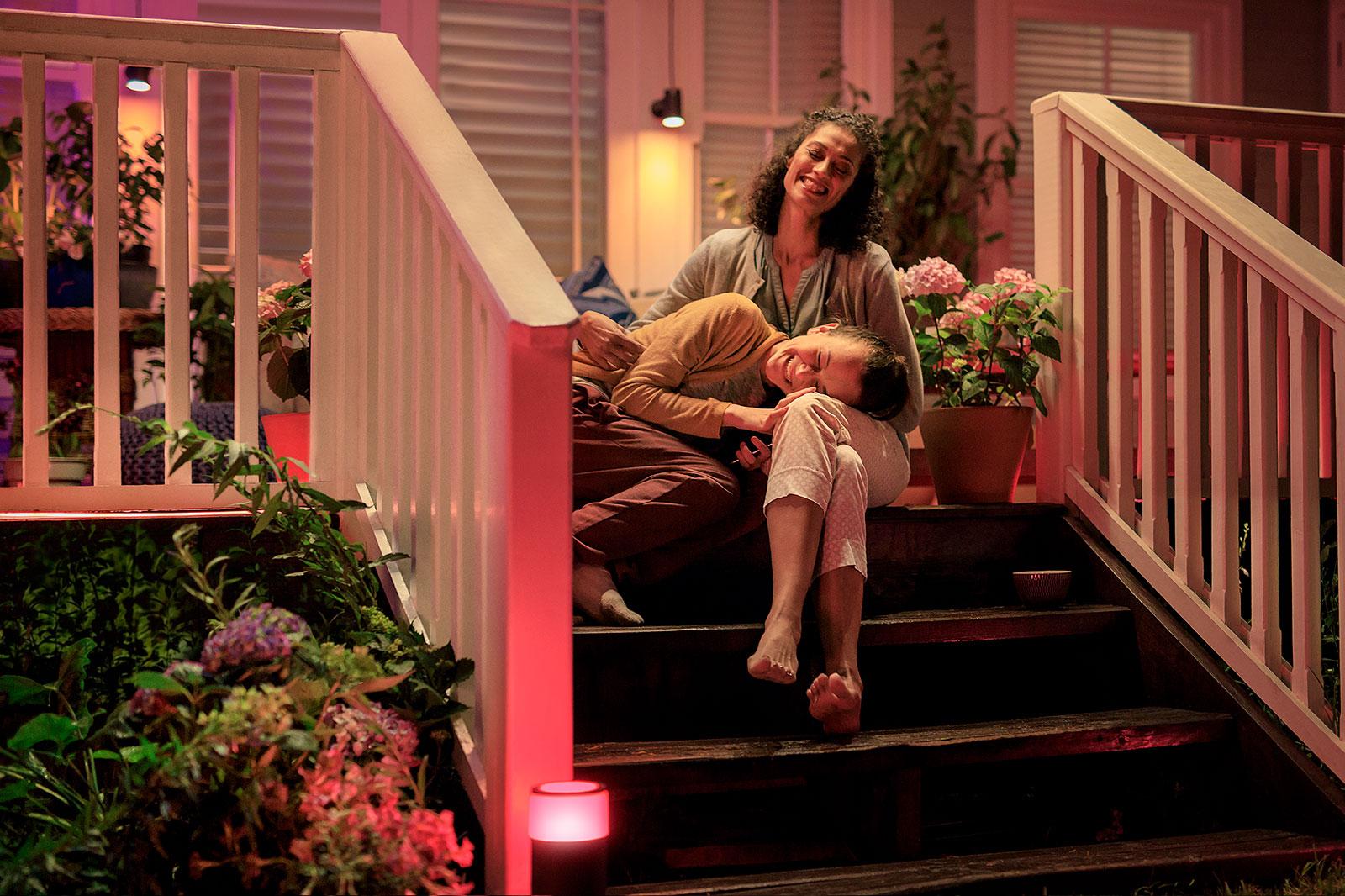Smartes Licht für Ihren Garten: Die Hue-Lampen von Philips lassen sich via Smartphone steuern.