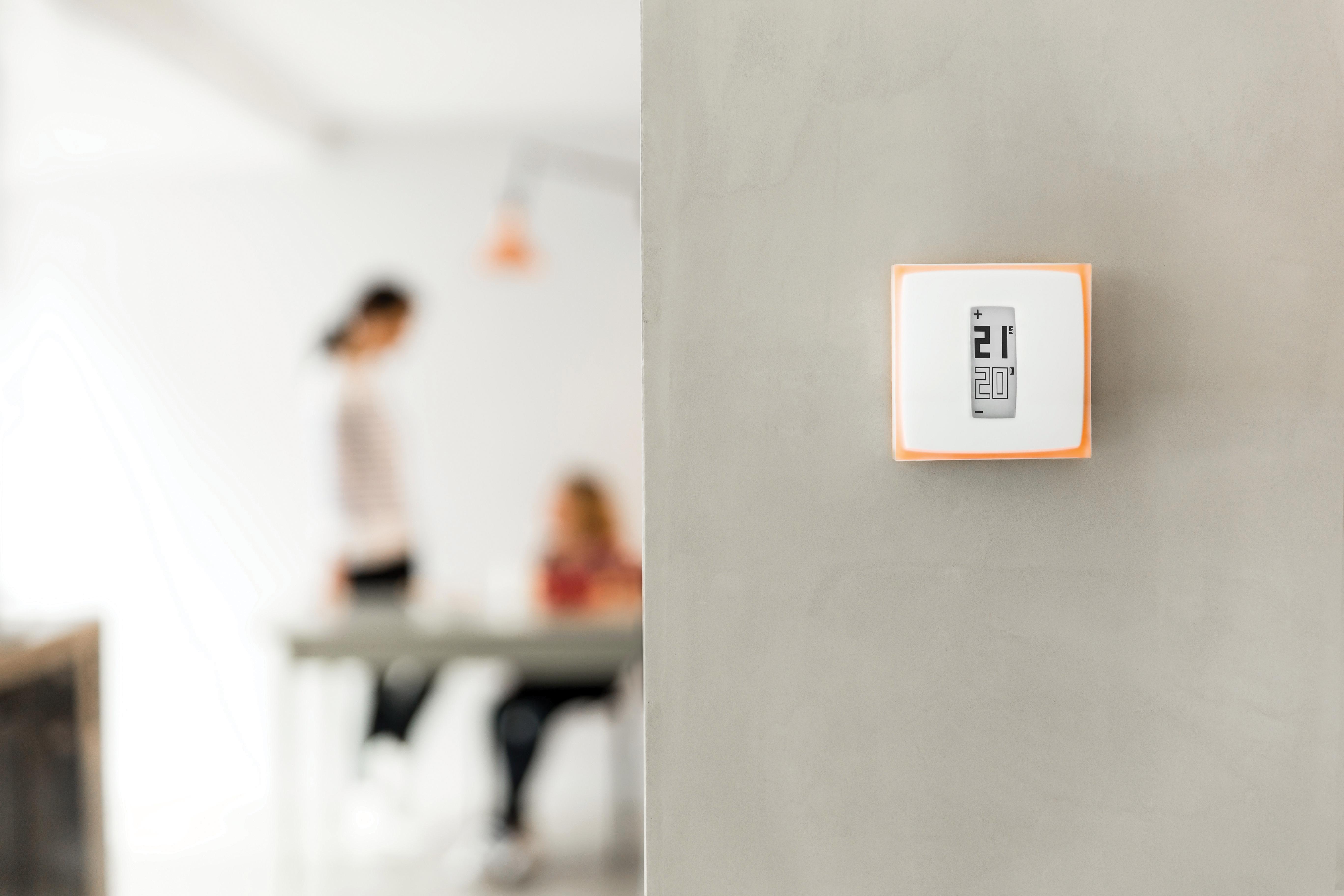 Das Heizkörper-Thermostat für Zentralheizungen kann überall in der Wohnung befestigt werden.