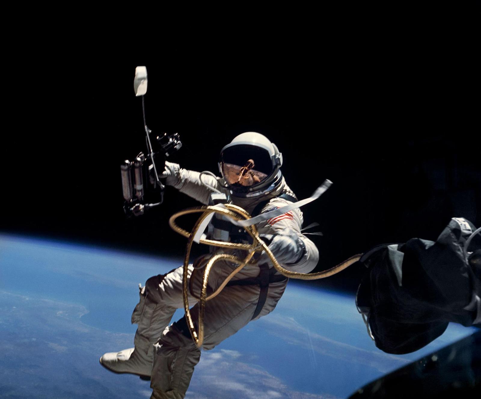 """Der erste """"Space Walk"""": der US-Astronaut Edward White 1965"""