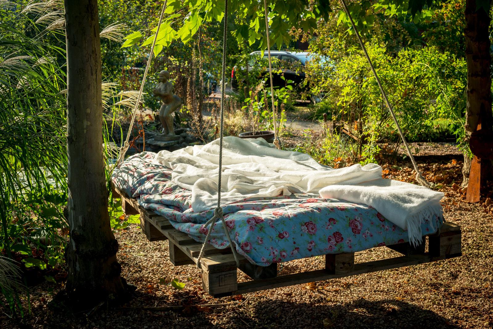 Perfekt für den Sommer im Garten: Ein Hängebett