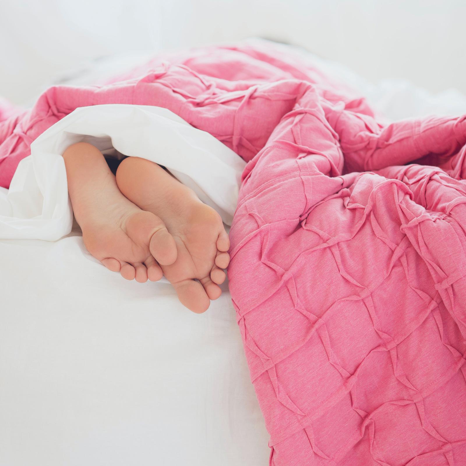 Schlaf mach schön. Zellen werden repariert und durch frische neue ersetzt.