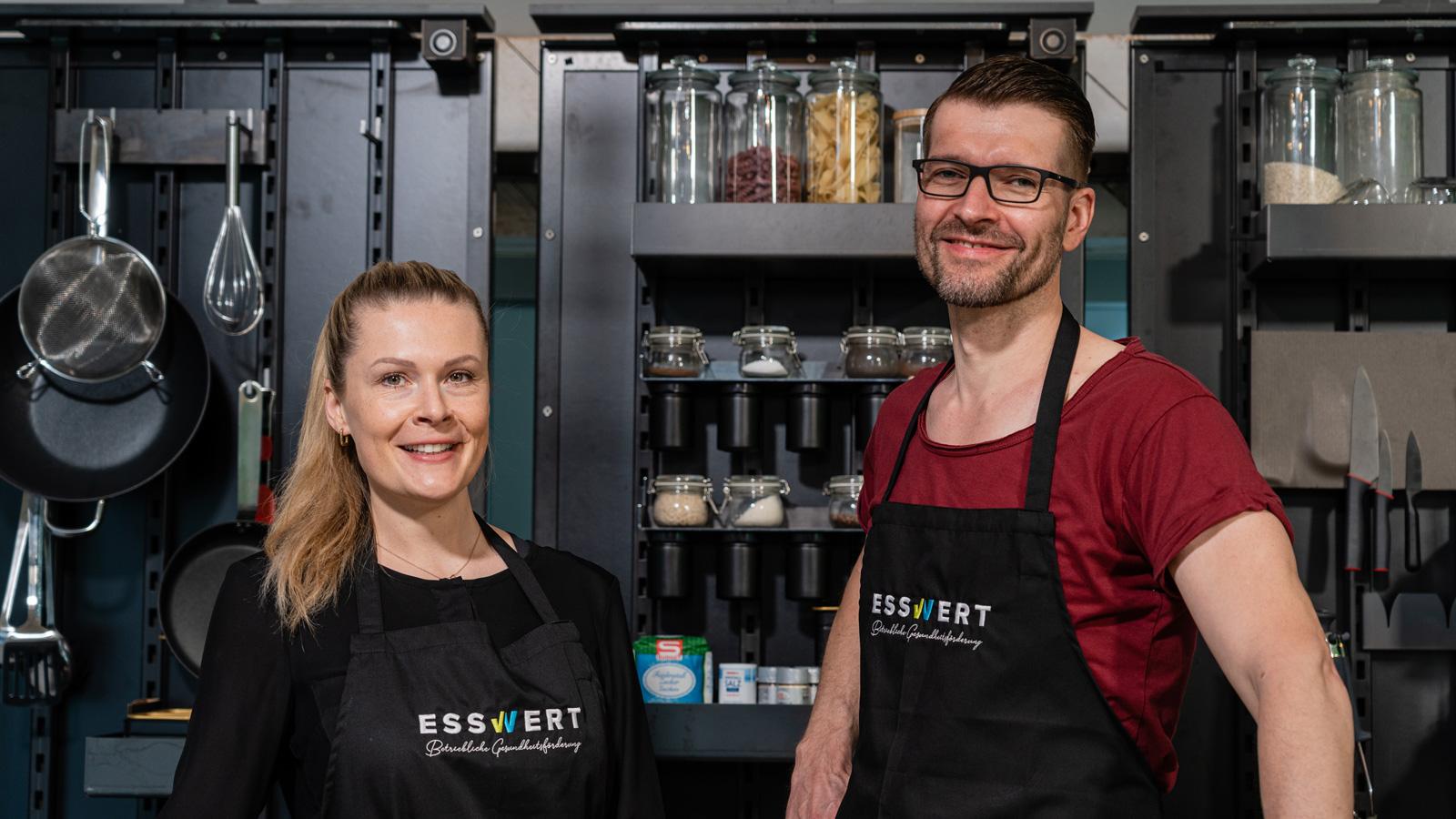 Martina Amon und Sven Bach beraten Unternehmen bei der betriebliche Gesundheitsförderung.