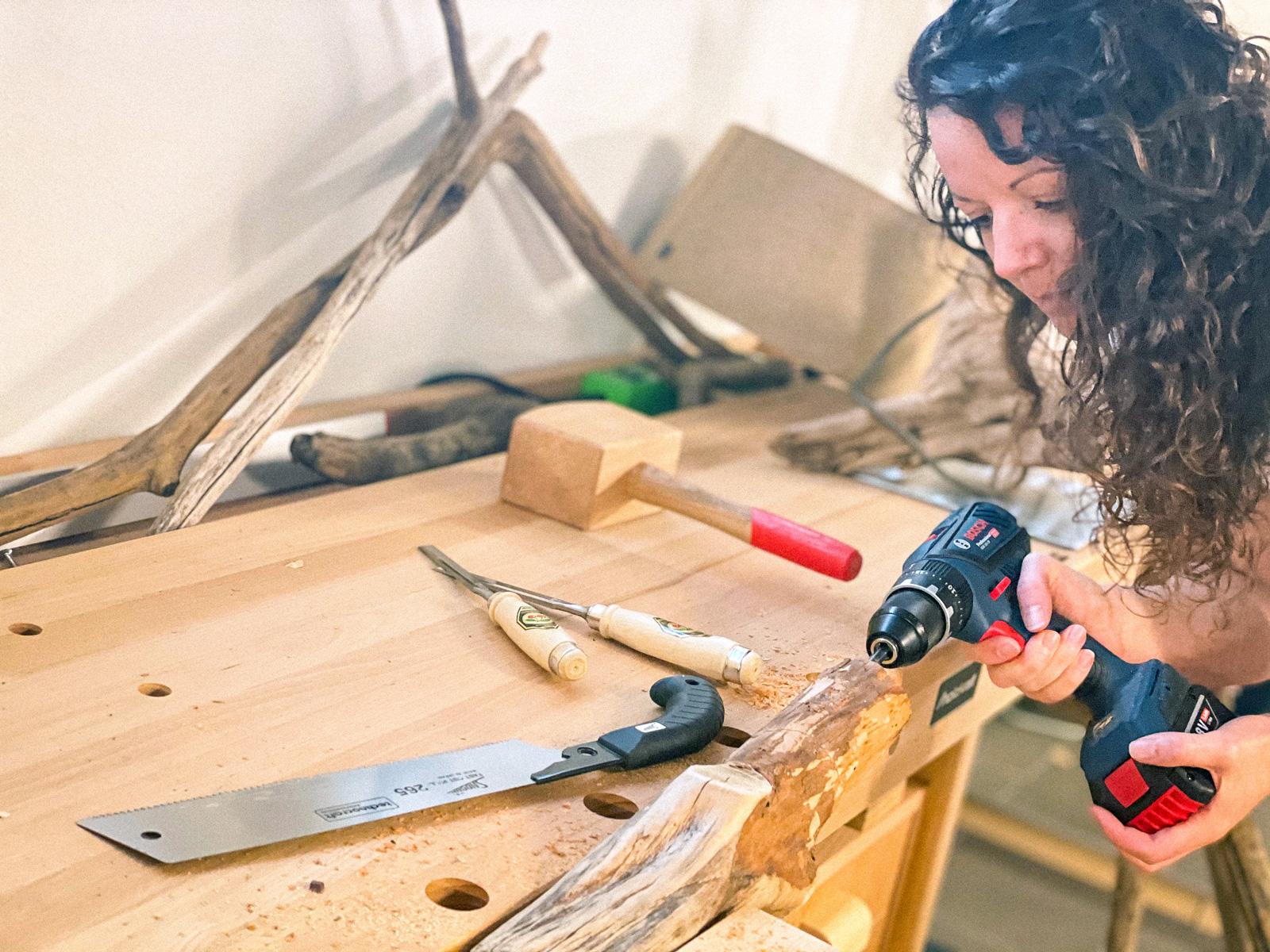 Herstellunsprozess dauert Wochen: Veronika Oberngruber in der Werkstatt