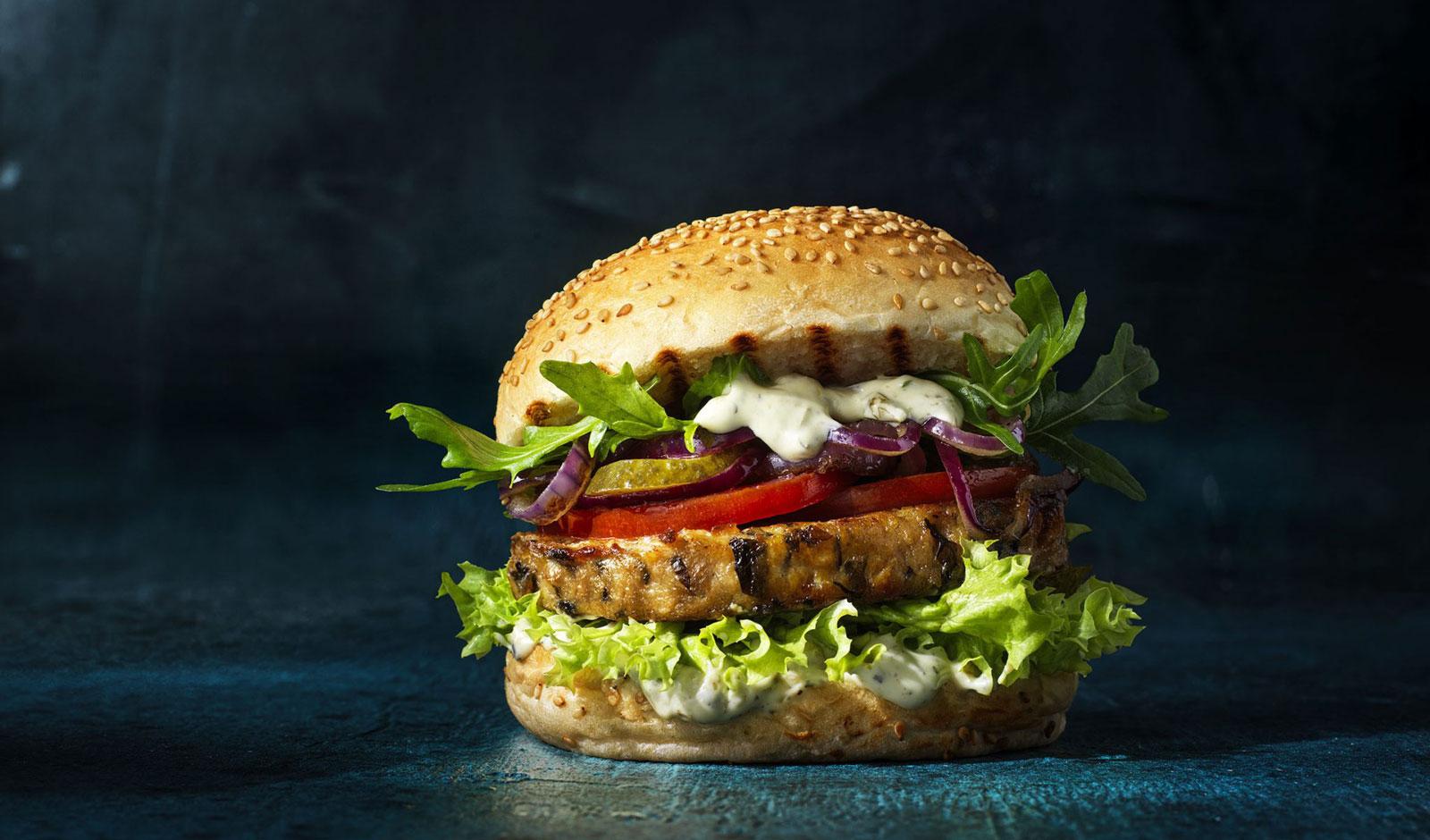 Aus Soja und Algen: Dutch Weed Burger