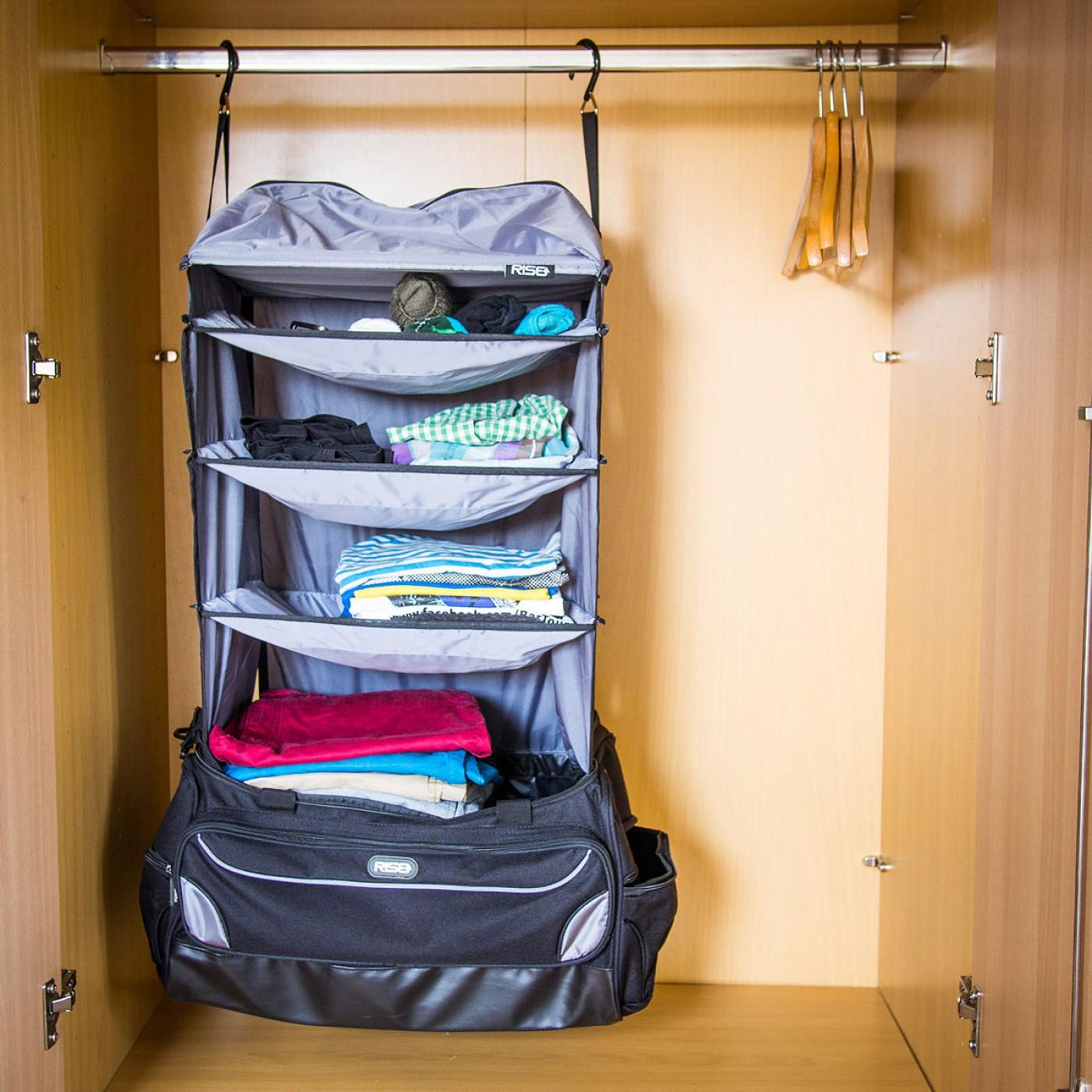 Aufmachen, aufhängen, fertig: Die Reisetasche ist ein Muss für alle, die nicht gerne auspacken.