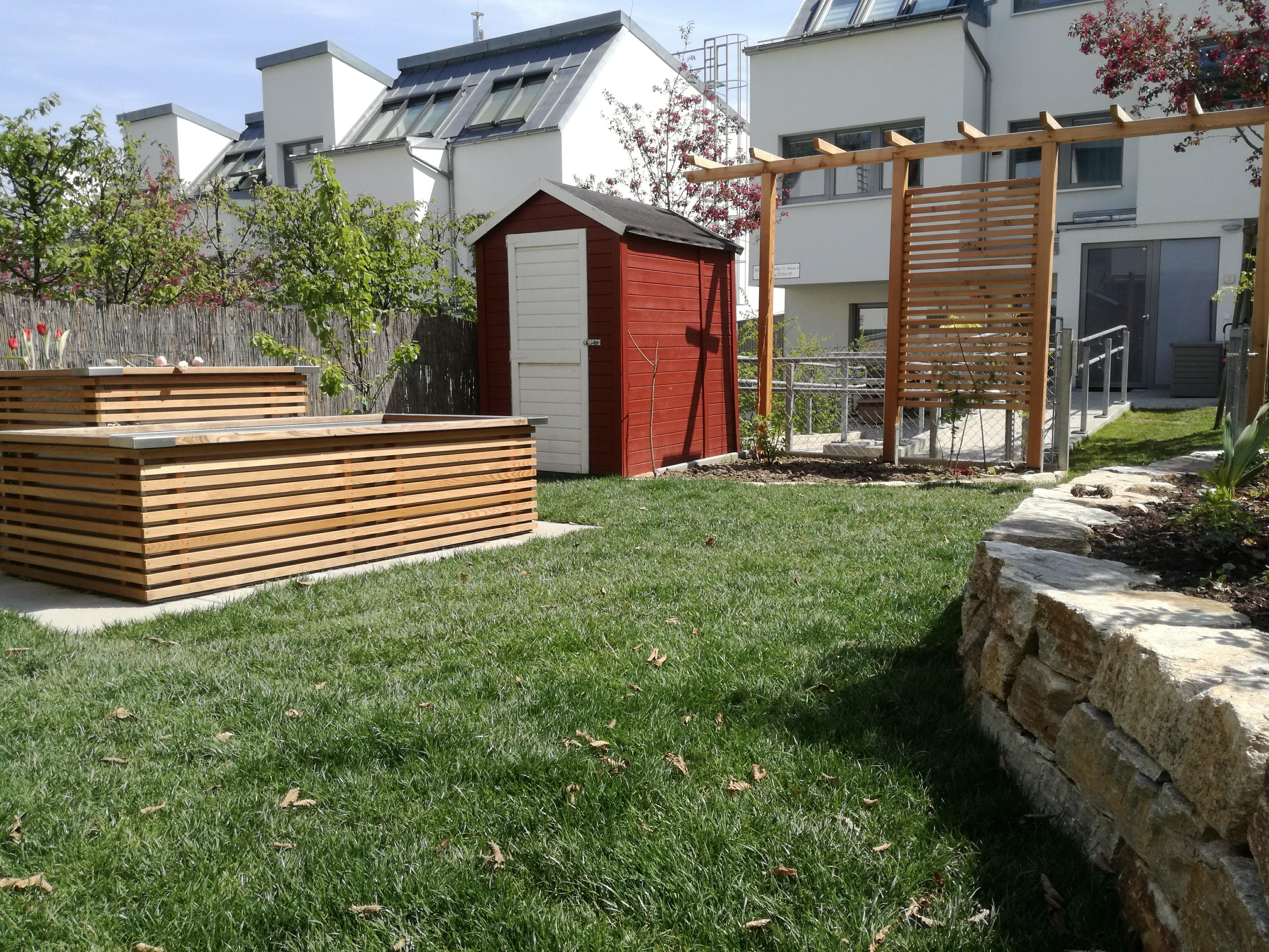 Stadtgarten: Auch auf kleinen Grundstücken lässt sich –bei guter Planung – viel unterbringen.