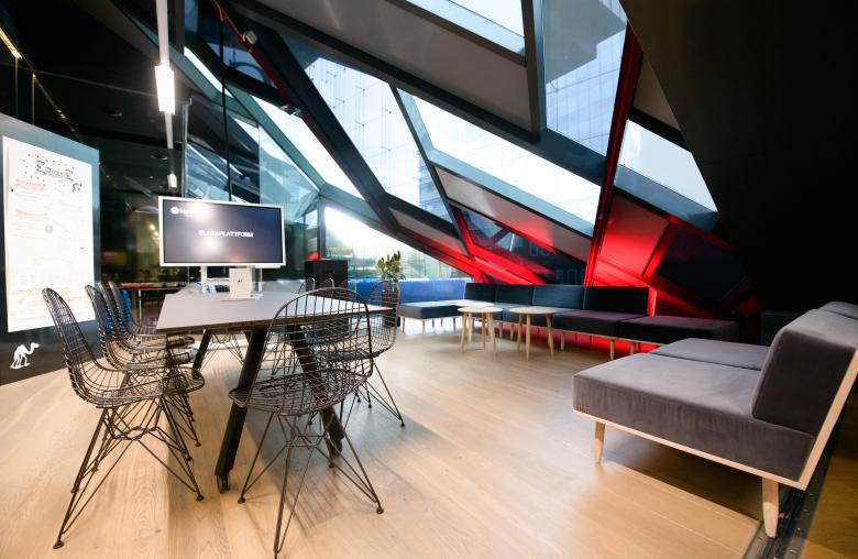 Der neue klickmal Space ist Office und Lab. Die Atmosphäre ist offen und kommunikativ.