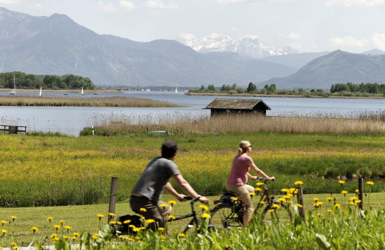 Mit dem E-Bike lässt sich die Umgebung gemütlich erkunden.