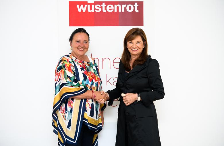 (v.l.n.r.) Doris Kiefhaber, Geschäftsführerin der Österreichischen Krebshilfe, Dr. Susanne Riess, Wüstenrot Generaldirektorin