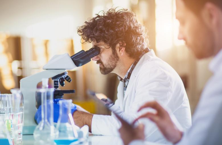 Mit mehreren Millionen freiwilligen Datensätzzen will Calico Alterskrankheiten verstehen. Schon 2030 sollen fast alle Krankheiten besiegbar sein.
