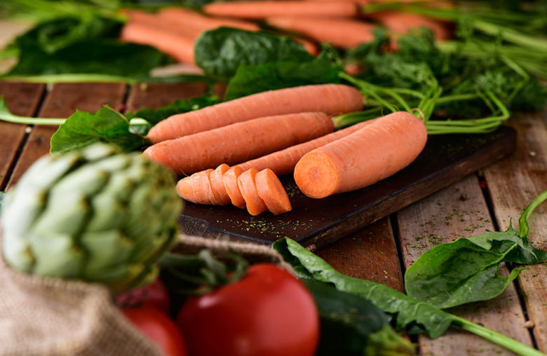 Viel frisches Gemüse hilft, den Alkohol schneller im Körper abzubauen.