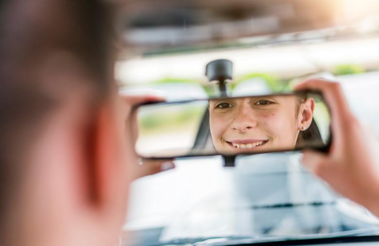 Freiheit mit 17: Mit dem Führerschein L17 kommst du nicht nur früher an die Fahrerlaubnis, durch den speziellen Aufbau bist du auch sicherer im Verkehr.