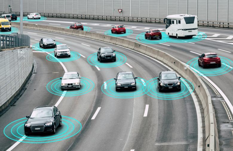 Fahrzeuge mit integrierter Geschwindigkeitskontrolle und automatische Bremsfunktion sind schon heute weit verbreitet.