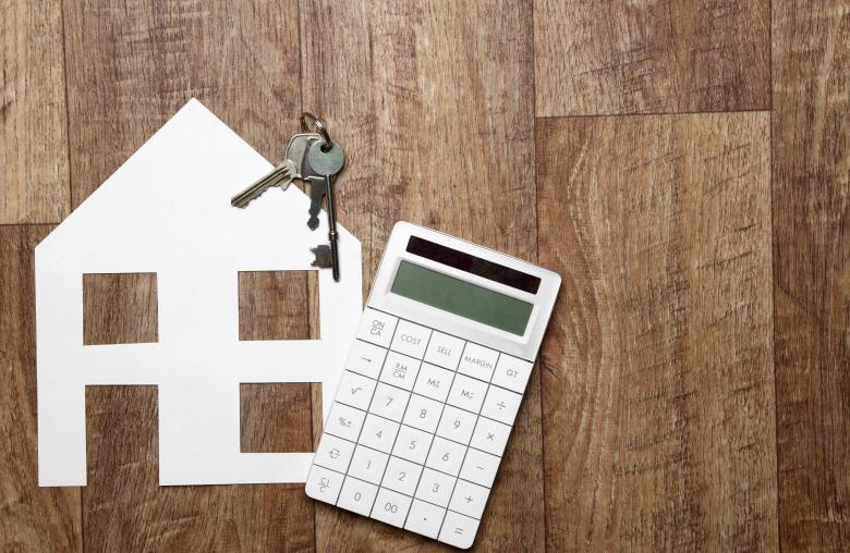 Wer darüber nachdenkt, seine Immobilie zu übertragen, sollte noch in diesem Jahr zum Taschenrechner greifen.