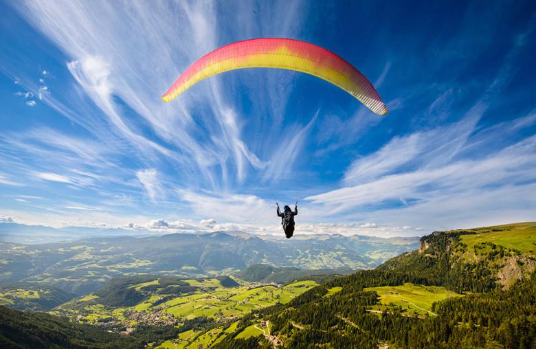Mehr als 6.000 Österreicher gehen Gleitschirm fliegen, rund 900 verunfallen jährlich wie Jan Kehlheim.