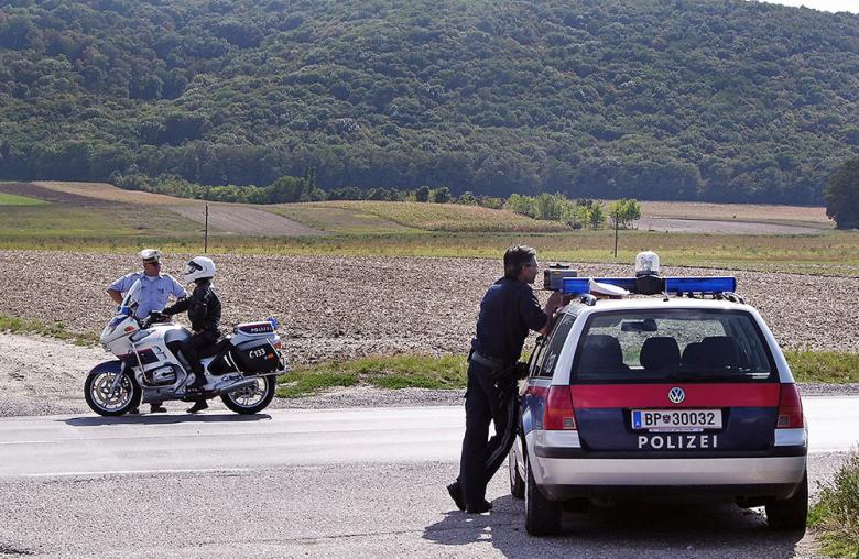 Temposünder sollten den Polizisten nicht mit Ausreden kommen.