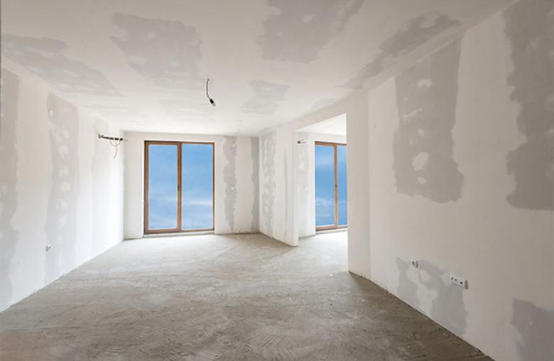 Fenster, Türen, Heizung und Strom: Die grundliegende Ausstattung ist in einem schlüsselfertigen Haus vorhanden. Alles, was ein Haus wohnlich macht, fehlt aber noch.