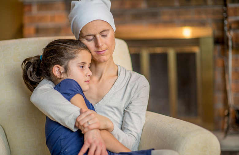 Kinder tr sten gesunder umgang bei krebs in der familie for Minimalistisch leben mit familie