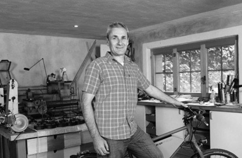 Ein Leben für das E-Bike: Pionier Philippe Kohlbrenner experimentierte 1993 mit einem Scheibenwischermotor und einer Autobatterie.