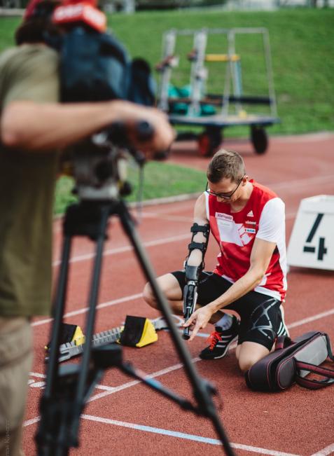 Vorbereitung auf den 400-Meter-Lauf.